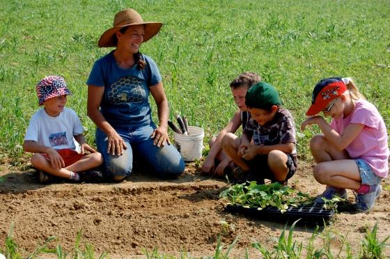 Penn Farm- Kids Planting crops
